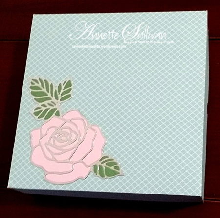 Rose Garden Pirouette Wasabi Island Party Gift Box