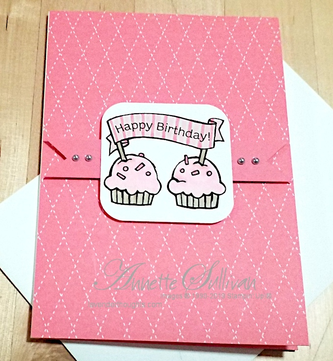 Cupcakes for a quick and easy Birthday Card with Hoot HootHooray